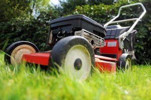 Rasenmähen zur Mittagszeit - in Bielefeld und im Kreis Herford erlaubt