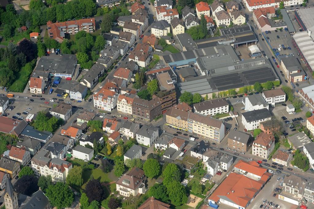 """Die Kanzlei """"Boss & Meyer"""" befindet sich an der Jöllenbecker Straße 42-44 in 33613 Bielefeld."""